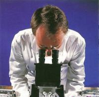 Световой микроскоп используется для исследования образцов в мазках
